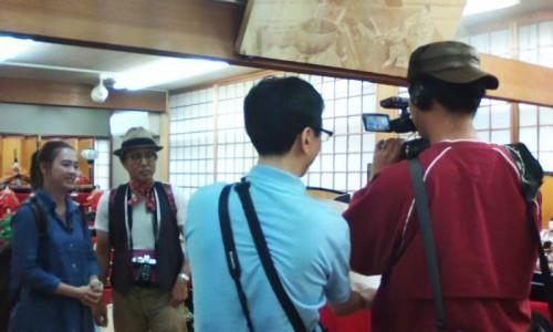 タイ国のテレビ局から「お雛さま」取材の様子