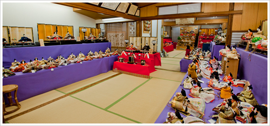 安藤人形店の雛人形展示